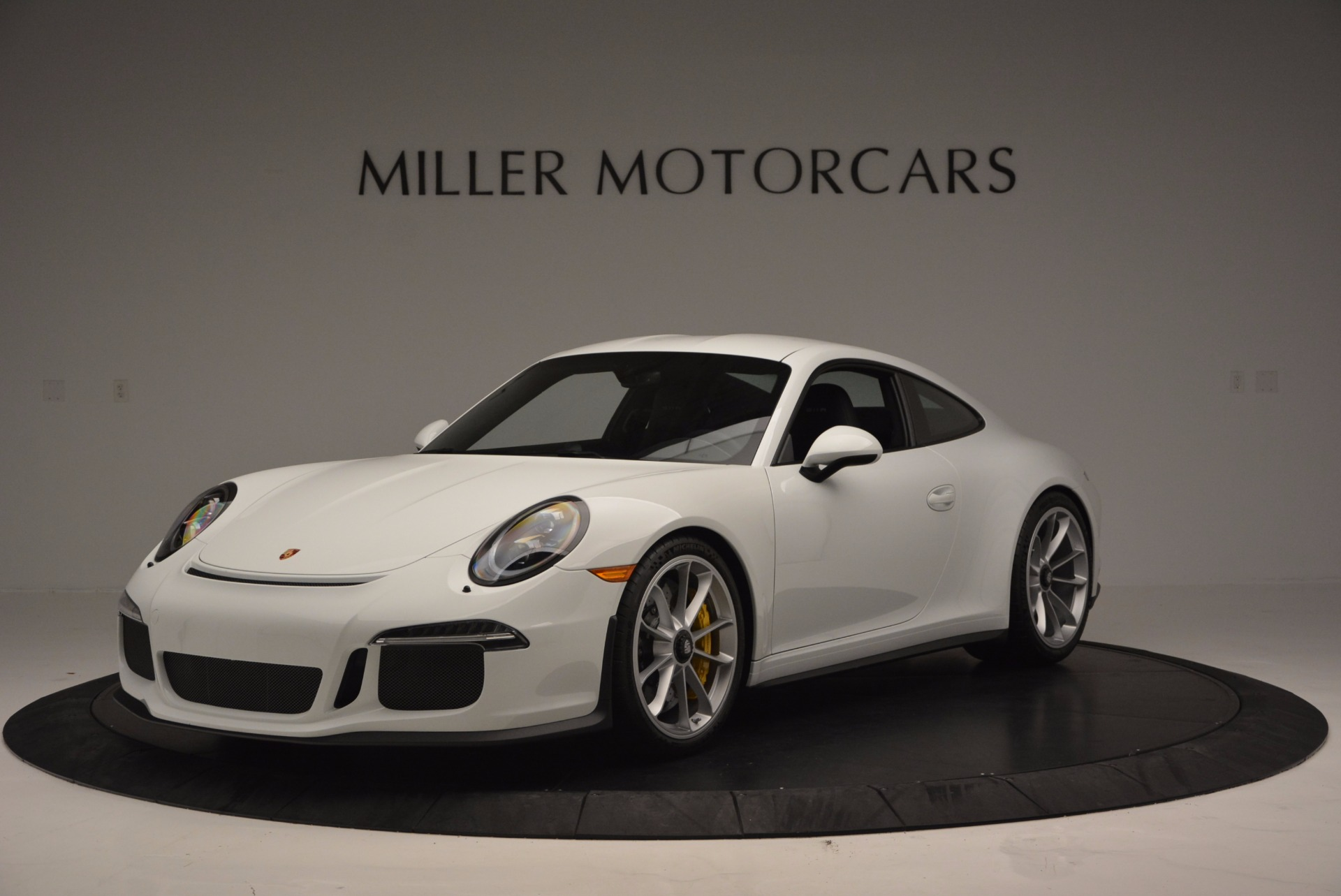 Used 2016 Porsche 911 R for sale Sold at Maserati of Greenwich in Greenwich CT 06830 1