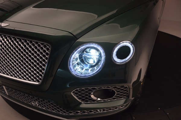Used 2017 Bentley Bentayga W12 for sale $135,900 at Maserati of Greenwich in Greenwich CT 06830 17