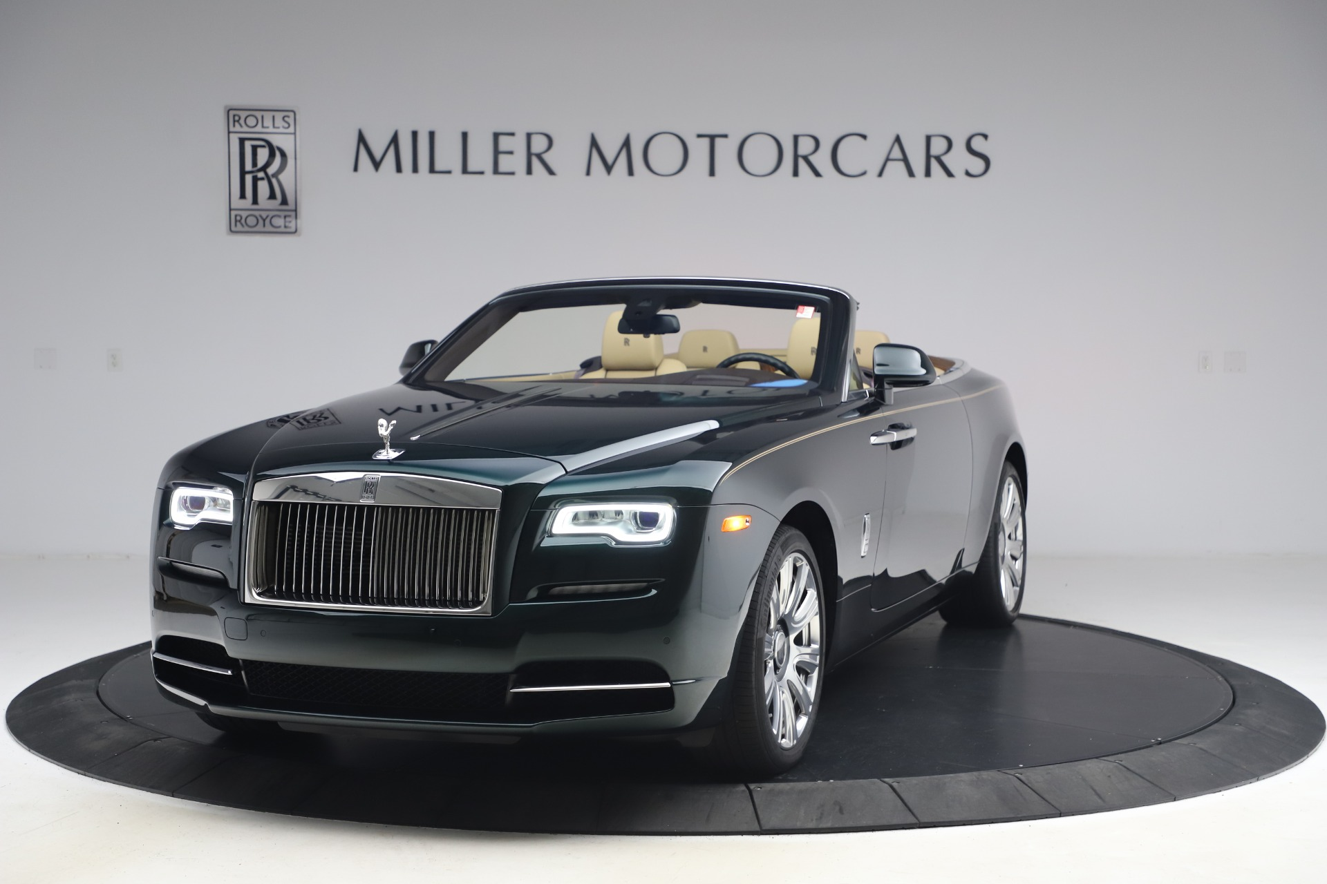 Used 2017 Rolls-Royce Dawn for sale $248,900 at Maserati of Greenwich in Greenwich CT 06830 1
