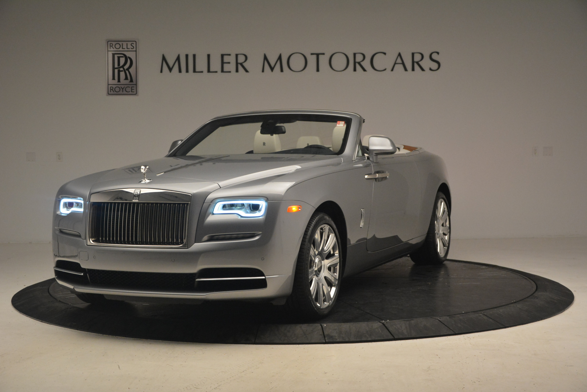 Used 2017 Rolls-Royce Dawn for sale $245,900 at Maserati of Greenwich in Greenwich CT 06830 1